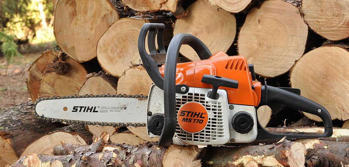 Best Chainsaws Under $300 in 2020